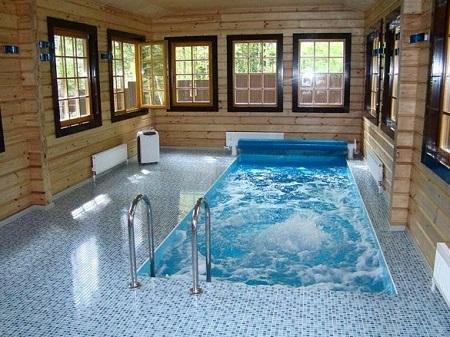 Важные моменты при обустройстве крытого бассейна в частном доме