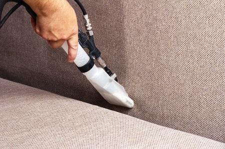 Химчистка кресла в домашних условиях: способы, правила и этапы