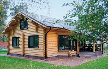 Какой дом выбрать: сравнение из бревна или бруса