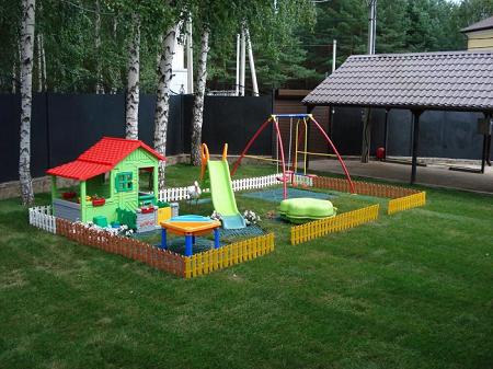 Как сделать детскую площадку на участке загородного дома