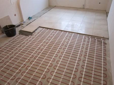 Какими преимуществами обладает электрический теплый пол и как производится его монтаж