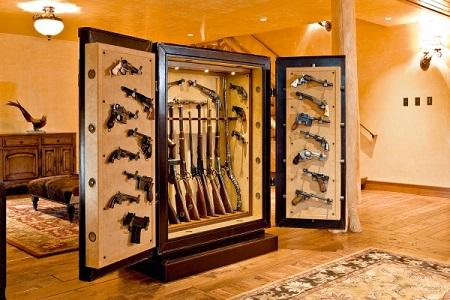 Какой оружейный сейф выбрать для хранения оружия: виды и особенности