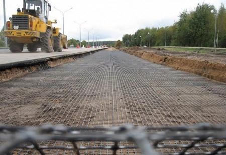 Композитная сетка для дорожного покрытия под бетон: достоинства, способы и техники укладки