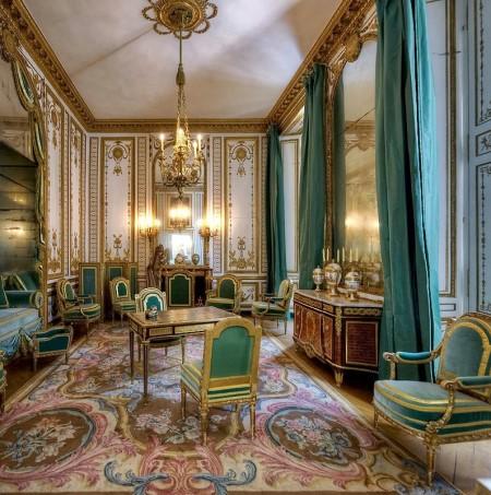 Как оформить гостиную в стиле версаль: выбираем мебель и отделочные материалы