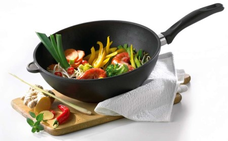 Как правильно ухаживать за посудой из чугуна, не покрытой эмалью