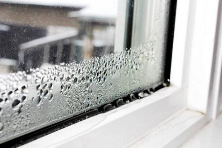Почему образуется конденсат на пластиковом окне и как с ним бороться