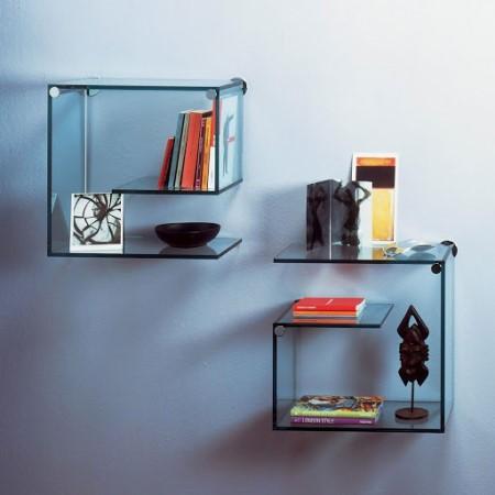 Разновидности кронштейнов для крепления полок из стекла: на каких критериях должен основываться их выбор