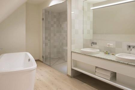 Как самостоятельно установить LED- освещение в ванной комнате