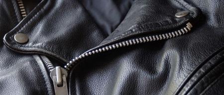 Особенности ухода за кожаной курткой: можно ли стирать ее в стиральной машине