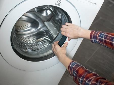 Люк стиральной машины не открывается: причины неисправности и их устранение