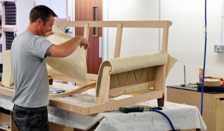 Как собрать диван своими руками: пошаговая инструкция и правила работы