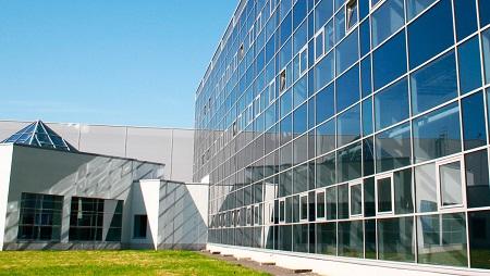 Теплое остекление фасадов: технологические особенности конструкции