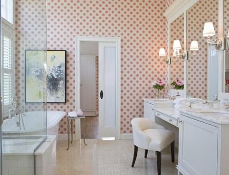 Как выбрать и поклеить виниловые обои в ванной комнате: основные этапы процесса