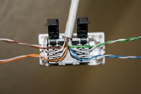 Технология монтажа кабеля витая пара: правила и порядок действий