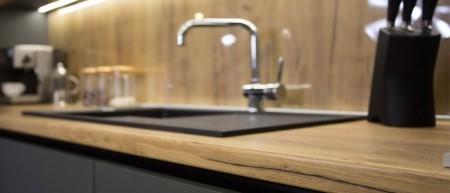 Как осуществляется замена кухонных столешниц: пошаговая инструкция